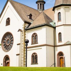 8 Steps to Find a Local Church When in College